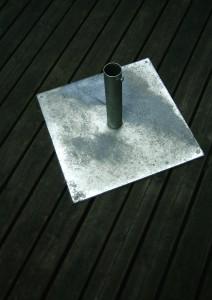 Pied pour parasol en métal